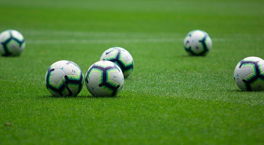Obstawianie Premier League - zakłady przedmeczowe czy live?